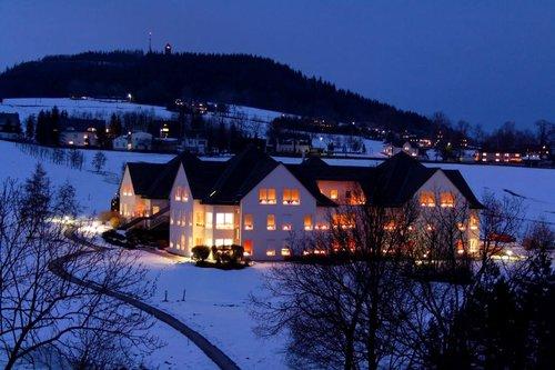 """Altenpflegeheim """"Anton Günther"""" im Winter"""
